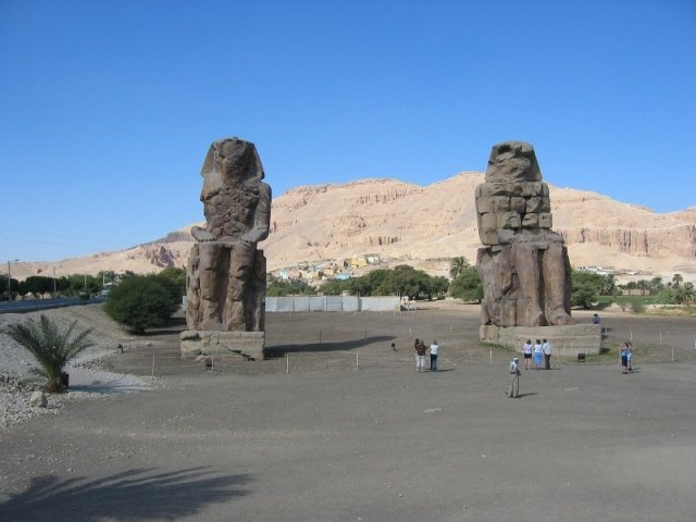 Luxor Statues