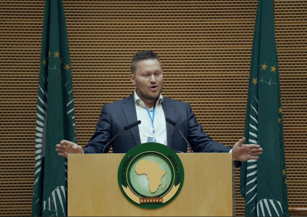 Håvar Bauck speaking at the African Union